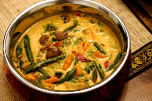 thai red curry with chestnuts and vegetables